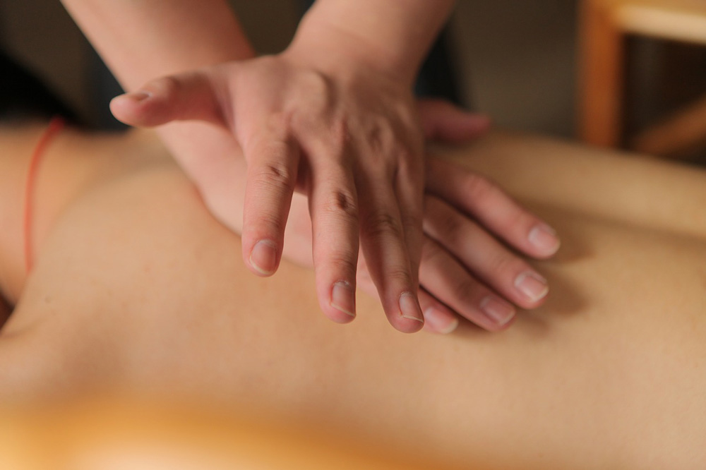 Deep-tissue-massage-2