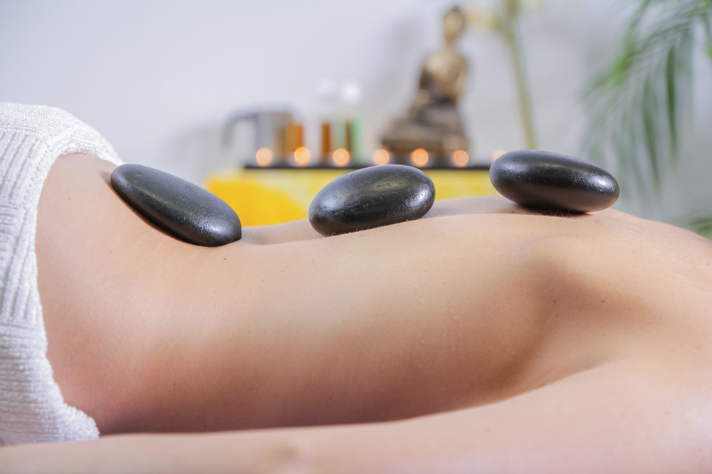 Hot-Stone-Massage-2-1